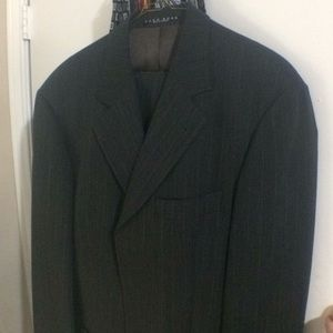 Hugo Boss Charcoal Pinstripe 3-Btn 42R Men's Suit